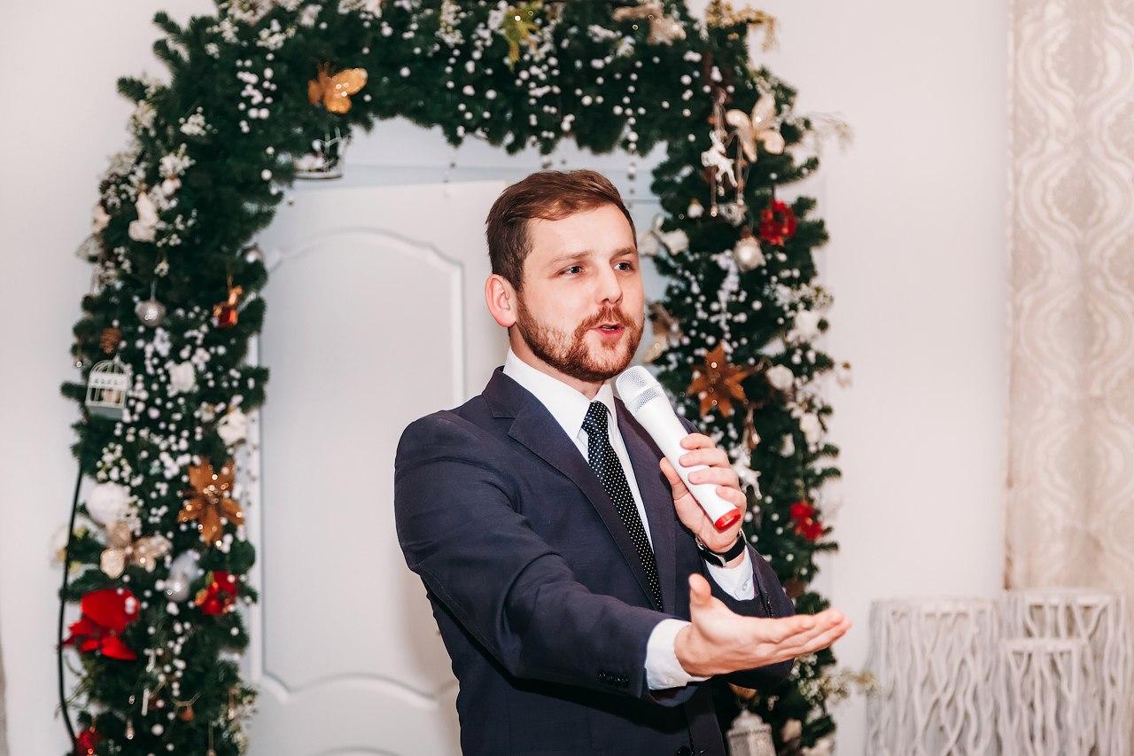 Михаил Шутов